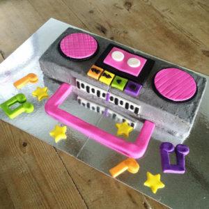 Ghetto blaster kids birthday cake kit from Cake 2 The Rescue