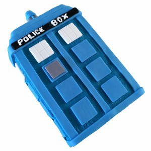 police box birthday cake kit 600 (600x600)