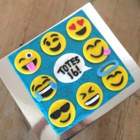 diy-smiley-faces-diy-cake-kit-wooden-450
