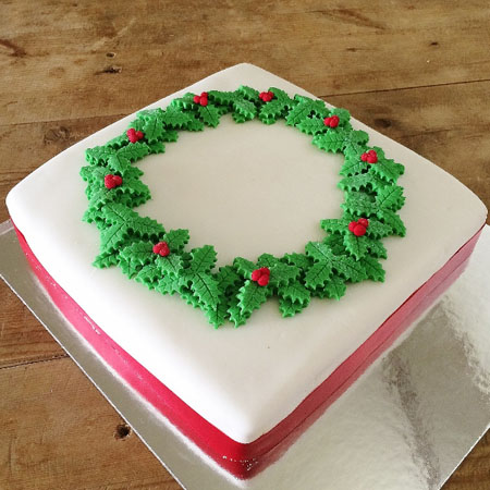Traditional Christmas DIY cake kit from Cake 2 The Rescue