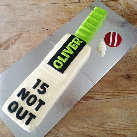 Cricket bat boys birthday cake kit from Cake 2 The Rescue