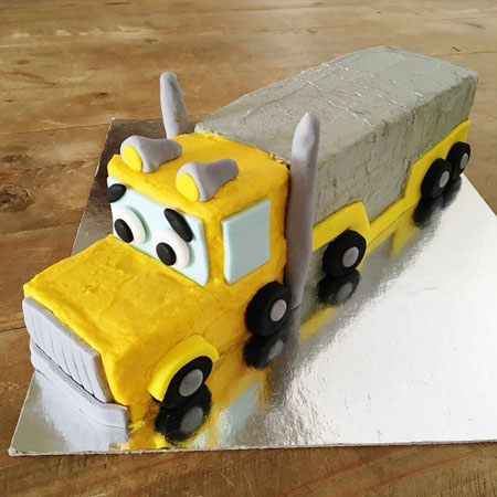 Semi trailer truck birthday cake kit from Cake 2 The Rescue