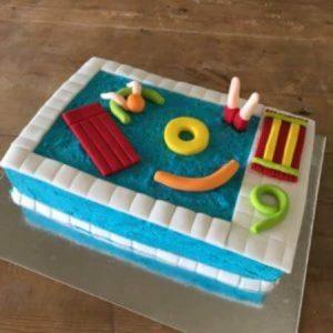 diy-pool-party-cake-kit-table-450