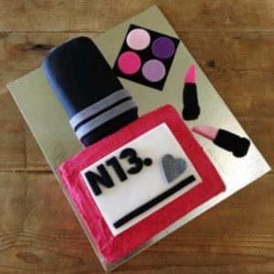 diy-Make-up-cake-kit-table-450