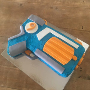 Nerf Gun and Super Soaker boys birthday cake kit from Cake 2 The Rescue