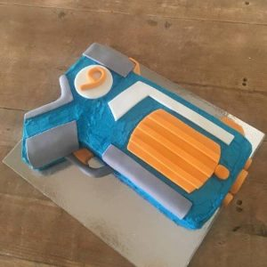 diy-toy-gun-birthday-cake-kit-table1-450