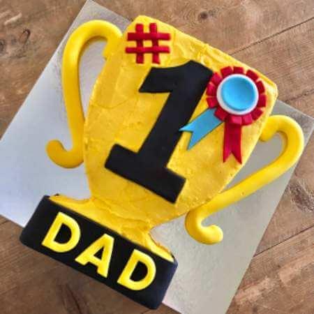 diy-trophy-cake-kit-table-450