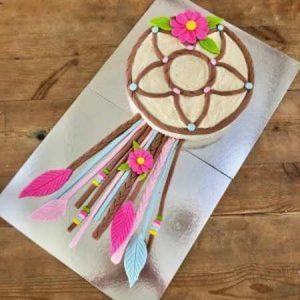 diy-dream-catcher-cake-kit-table-450