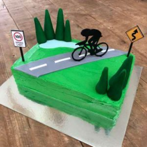 diy-cycling-cake-kit-boy-table-450