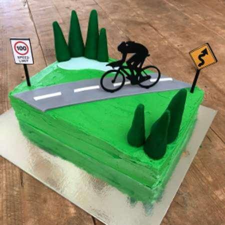 diy-cycling-cake-kit-girl-table-450
