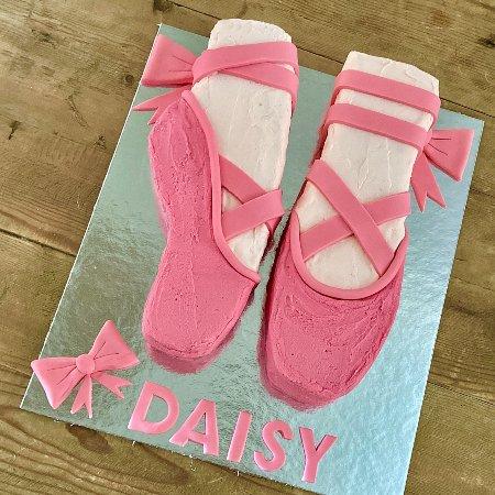 ballerina-cake-diy-kit-shoe-template