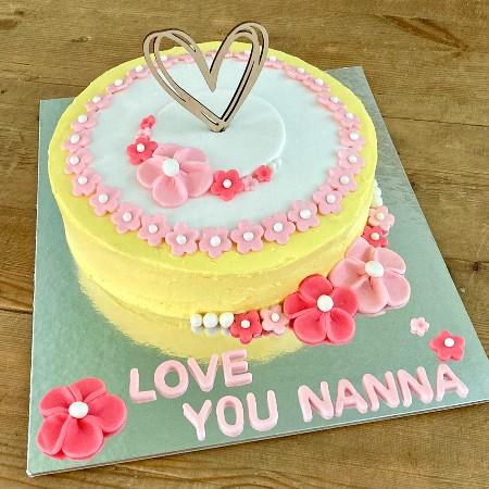 easy-grandma-cake-flower-cake